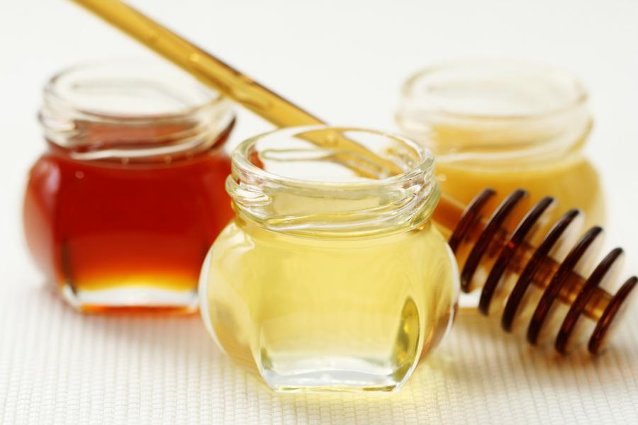 Honig in verschiedenen Geschmacksrichtungen