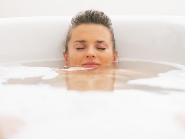 honig-mandelöl-bad: das perfekte badeerlebnis für samtweiche haut, Hause ideen