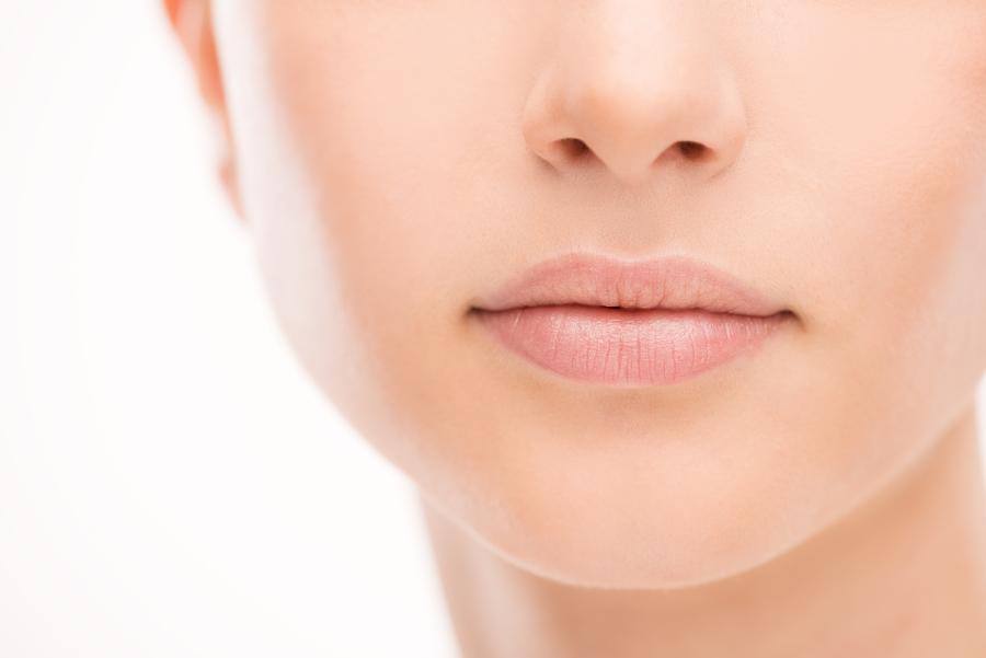 Lippenpflege mit Bienenwachs und Honig