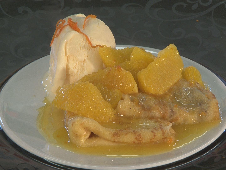 Crepes suzette mit Orangenhonig