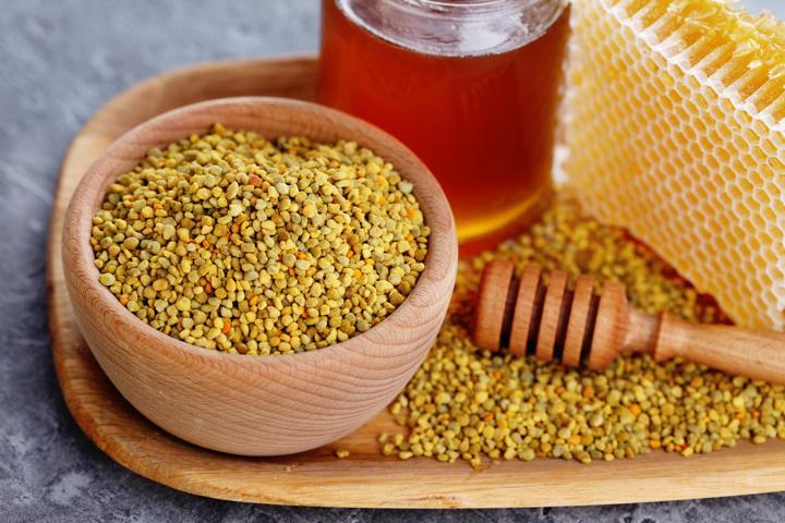 pollen und honig gegen hitzewallungen propolis honig. Black Bedroom Furniture Sets. Home Design Ideas