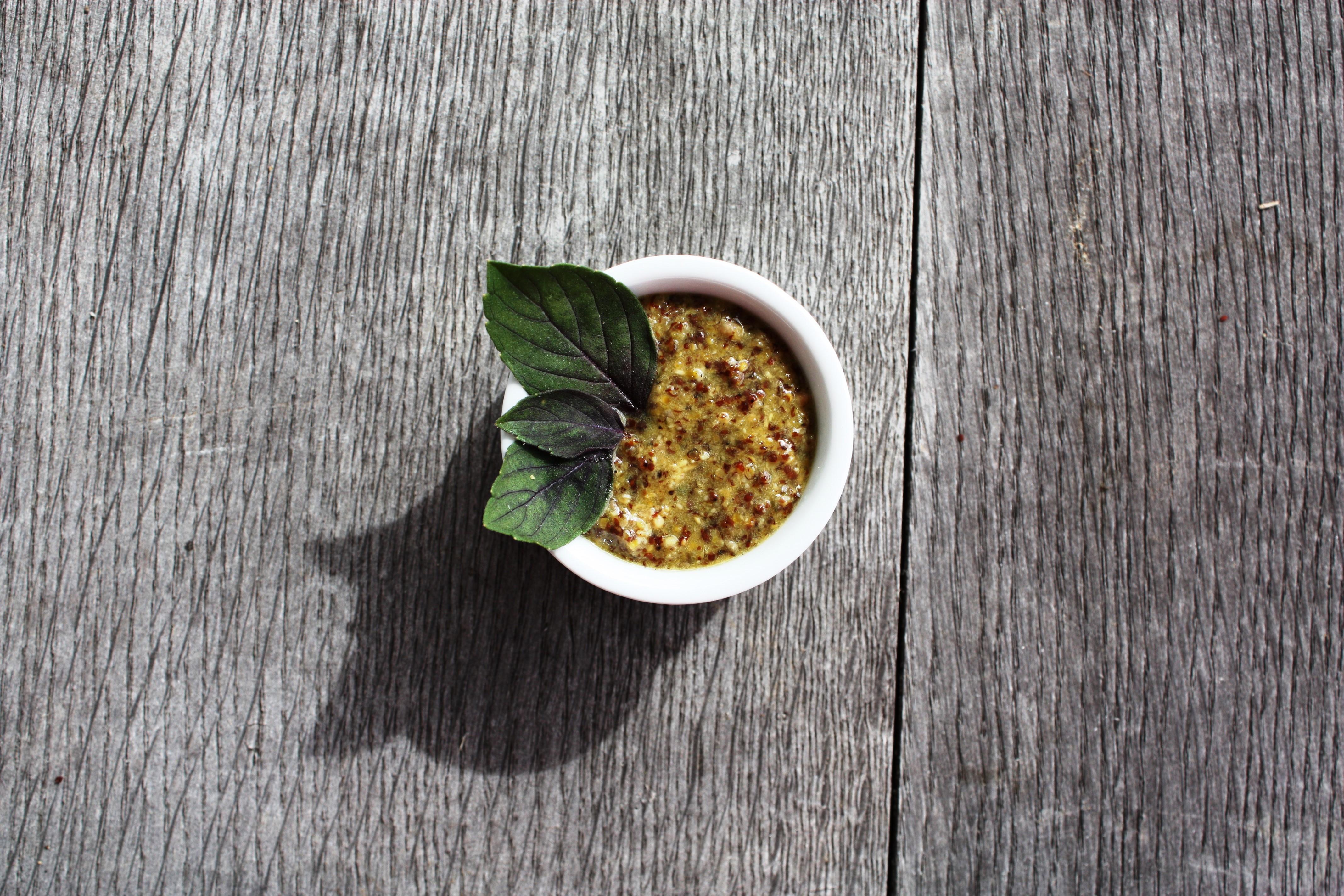Basilikumsenf mit Honig - schnell gemacht