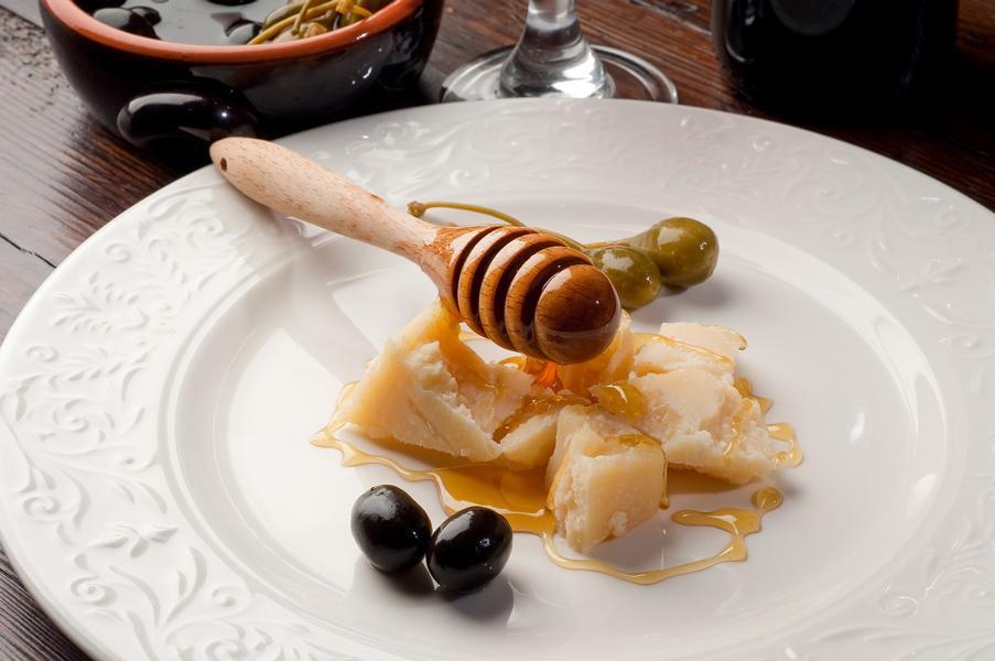 Honig mit Parmesan