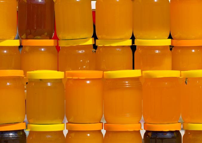 Honig cremig und fest