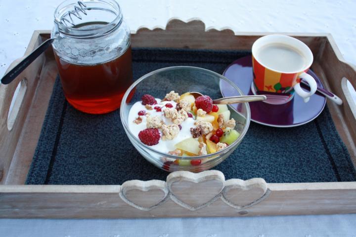 Früchtemüsli mit Honig
