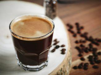 Honig und Kaffee gegen Husten